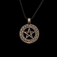 Hanger Pentagram met Sierrand