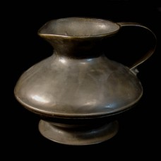 Bronzen Turan-Kruik